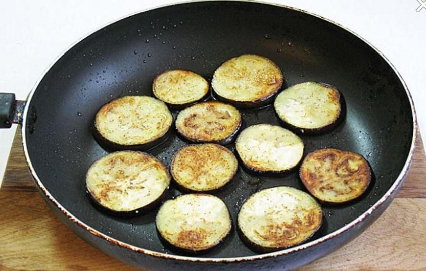 Блюда из баклажанов - 4 простых и вкусных рецепта с фото