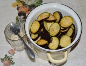 Блюда из баклажанов на зиму - 6 рецептов с пошаговым фото
