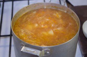 Щи из квашеной капусты в мультиварке - 5 пошаговых рецептов с фото