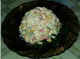Как приготовить салат из крабовых палочек - 5 пошаговых рецептов