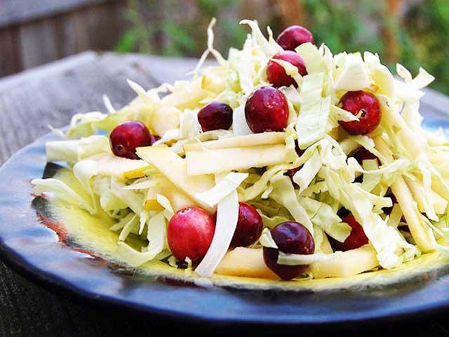 Салаты из свежей капусты – рецепты с фото простые и вкусные