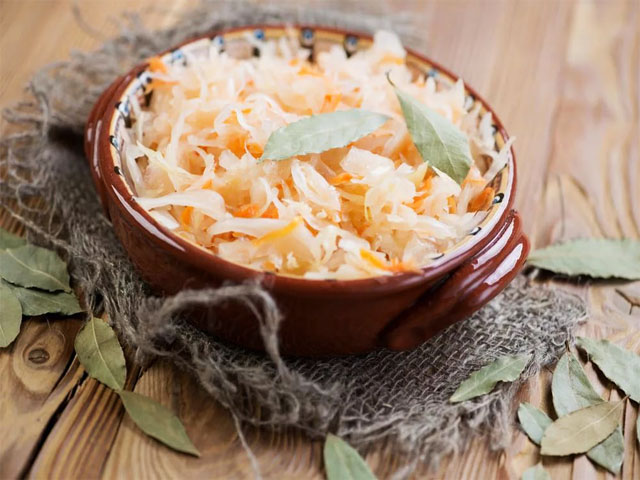 Квашеная капуста в рассоле на зиму - 11 вкусных пошаговых рецептов с фото
