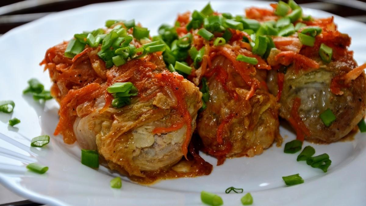 Голубцы из пекинской капусты – 5 вкусных и простых рецептов