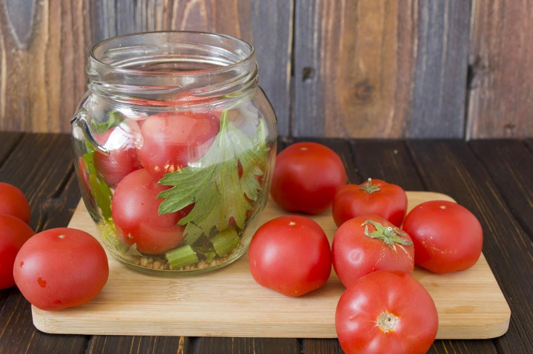 Помидоры на зиму - 20 рецептов маринования помидоров