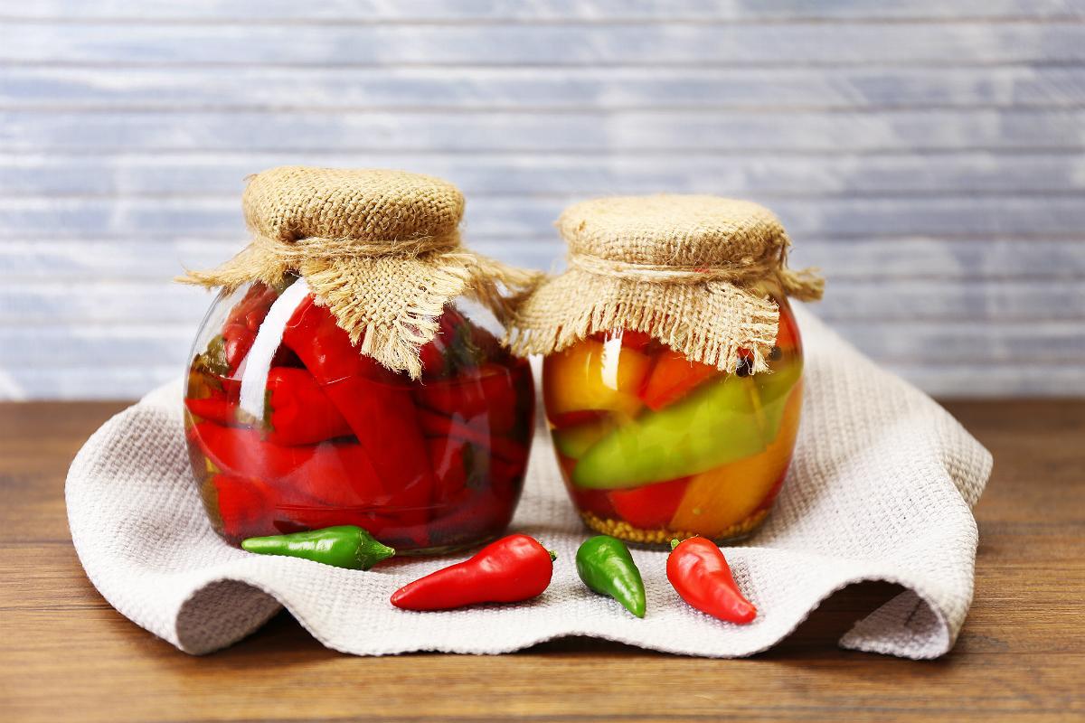 Горький перец на зиму – 7 рецептов приготовления