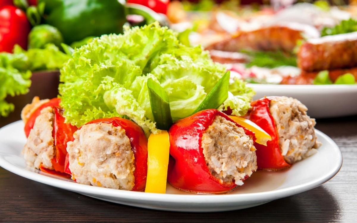 Фаршированный перец с мясом и рисом – 12 самых вкусных рецептов