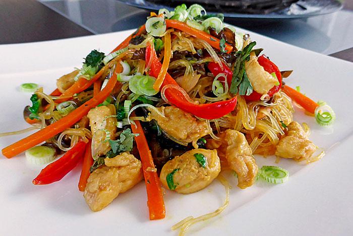 Фунчоза с курицей и овощами — 9 пошаговых рецептов с фото