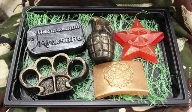 Оригинальные подарки на 23 февраля парню, брату, мужу, мужчинам коллегам своими руками