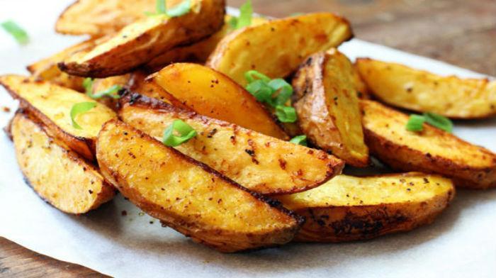 Картошка по-деревенски в духовке: 15 простых и вкусных рецептов