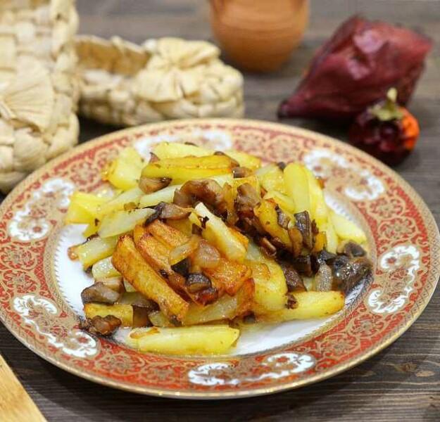 Картошка жареная с грибами – пошаговый рецепт