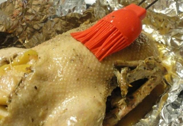 Гусь с гречкой, грибами и печенью в рукаве – пошаговый рецепт
