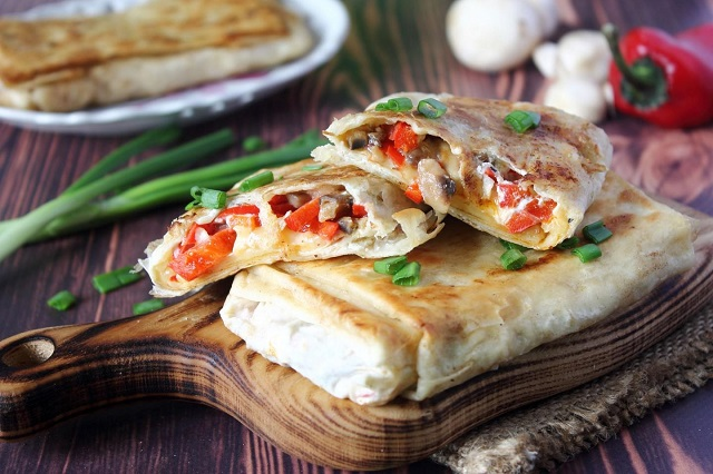 Закуски из лаваша. Простые и вкусные рецепты на праздничный стол