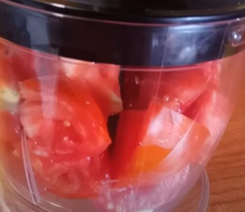 Чистим томаты