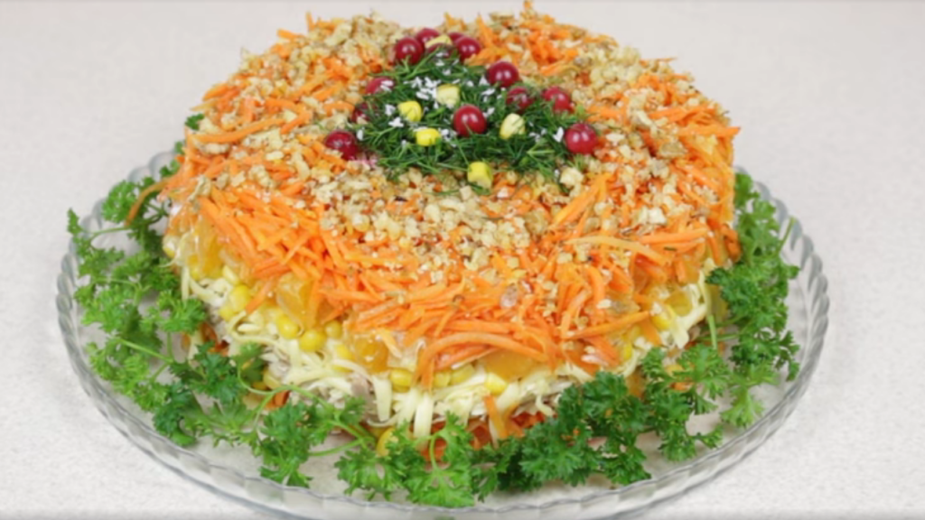 10 новых и интересных салатов на Новый год 2021