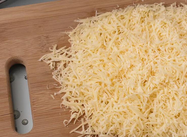 Сыр натрите на большой терке